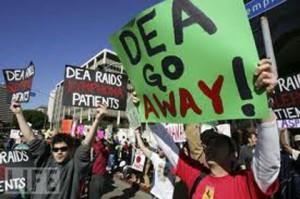 DEAGoAway!Protest[MedicalMarijuana411]